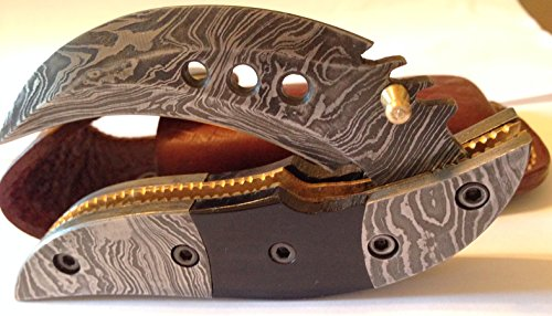 Dragon Slayer Folding Knife Damascus Steel Blade Horn Handle (Dragon Steel Knife)