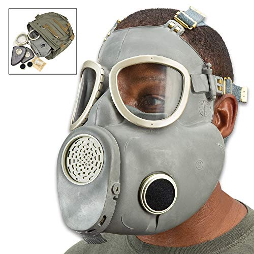 Polish MP4 Bulldog Gas Mask and Bag - Like New, Cheek Filters Included, Authentic Military Issue, Rubber Construction