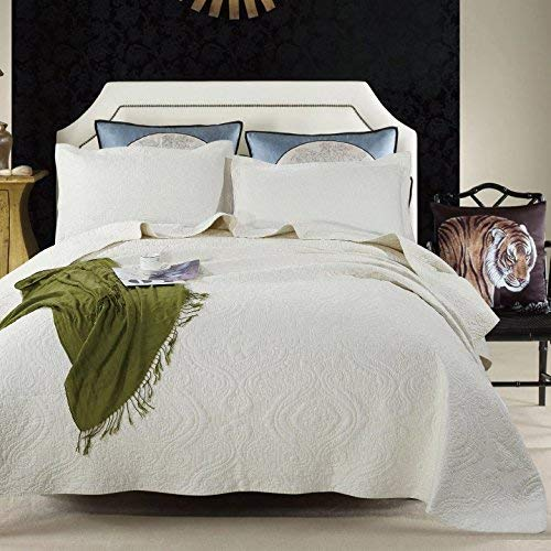 UniTendo Luxury 3-Piece Patchwork Quilt Set with Shams Soft Reversible All-Season Cotton Bedspread & Coverlet with Green Elegant Jacquard Design,Queen/King, Beige.