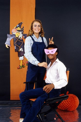 Dana Plato and Todd Bridges in Diff'rent Strokes Portrait rare smiling studio pose in Halloween setting 24x36 (Halloween Rent)