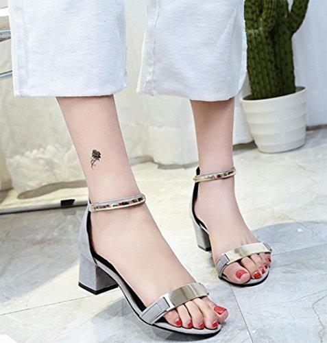 En verano las sandalias con densamente con sandalias abiertas estudiantes sandalias palabra ocasional de las mujeres de la hebilla Grey