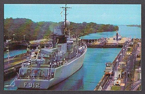 (Belgian frigate Wandelaar F 912 at Gatun Locks Panama Canal postcard 1970s)