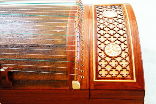 Model GZ301 Professional level Guzheng musical instrument by Dunhuang