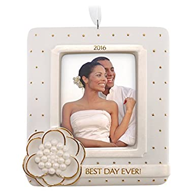 Hallmark Keepsake 2016  Wedding Day  Dated Picture Frame Holiday Ornament