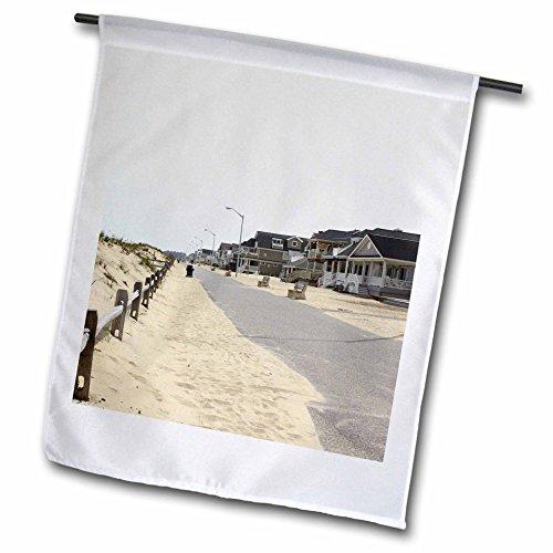 3dRose fl_38301_1 Garden Flag, 12 by 18-Inch, Walking Along The Warm Boardwalks of The Jersey Shore