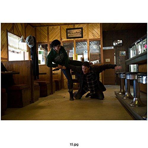 Haywire (2011) 8 inch x 10 inch Photo Gina Carano Greey Sweatshirt Subduing Channing Tatum in Bar - 2011 Sweatshirt