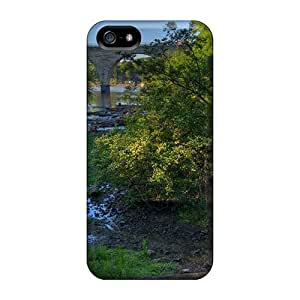 Iphone 5/5s Hard Case With Awesome Look - WLFyrXA4290mmKvr