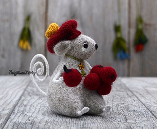 Mouse with Berries Needle Felting Grey Mice Happy Birthday Gift Felted Animal Wool Rat Soft Sculpture Fiber Art - Needle Felted Mouse