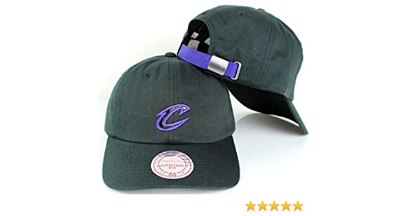 48b9507b Amazon.com : Mitchell & Ness NBA 96 Slouch Strapback Dad Hat (Adjustable, Cleveland  Cavaliers) : Clothing