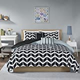 Intelligent Design Nadia Duvet Cover King/Cal King Size - Black, Chevron Duvet Cover Set – 5 Piece – Ultra Soft Microfiber Light Weight Bed Comforter Covers