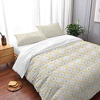 Image of Duvet Cover & Pillowcases Bedspread Set Quatrefoil Moroccan Style Lattice Pattern Dots in Daisy Diamond Petals Four Leaf Clover Bedding 3 Piece Duvet Cover Set Oversized King