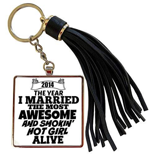 3dRose BrooklynMeme Sayings - 2014 The year I married the most smoking hot girl alive - Tassel Key Chain (tkc_212158_1)