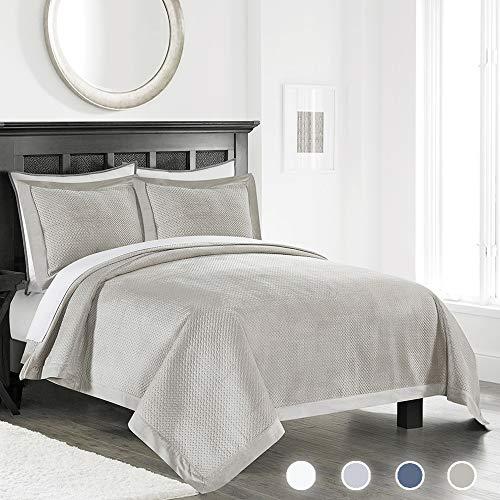 - Simple&Opulence Velvet Lavish Design with Brushed Microfiber 3Pcs Bedspreads Luxury Pattern Soft Solid Coverlet Set (Light Beige, King)