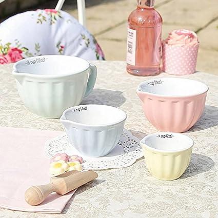Diseño Retro de cerámica Pastel juego de cuatro tazas medidoras con forma de utensilios de cocina