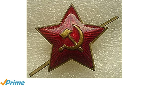 ac9709110ea27 Amazon.com  WWII Original Sign Soviet RED STAR USSR Russian Army Pilotka  Ushanka Hat Cap Cockade Cold War era Communist Bolshevik Period   Entertainment ...