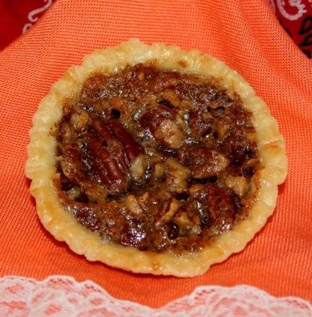 Pecan PIE/Single Serving / 2 Ounces Each / 6 Individually Wrapped Pies in an Attractive - Pecan Pie Mini