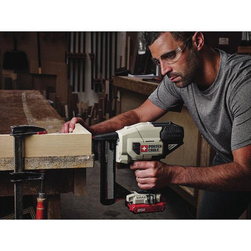 Porter-Cable PCC791LAR 20V MAX Lithium-Ion 18 Gauge Narrow Crown Stapler Kit (Certified Refurbished) by PORTER-CABLE (Image #4)