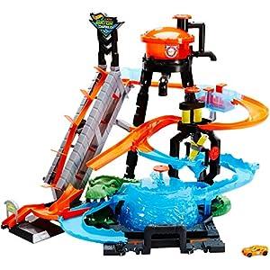 Hot Wheels FTB67 Mega Autolavaggio Playset per Macchinine con Pista Selvaggia e Coccodrillo, Torre dell'Acqua, Vasca del Vortice, Veicolo Cambiacolore 8 spesavip