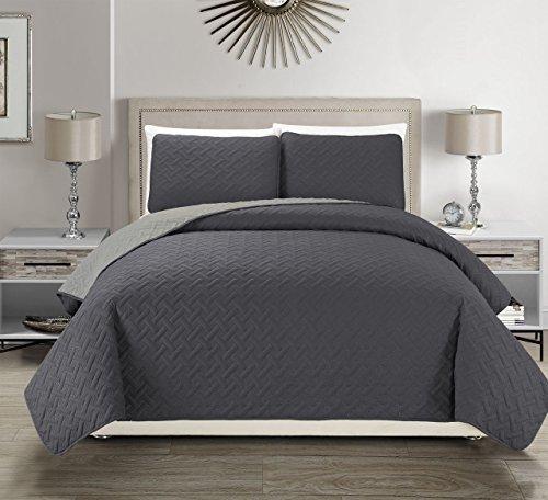 (Embossed Charcoal Reversible Bedspread/Quilt Set Queen)