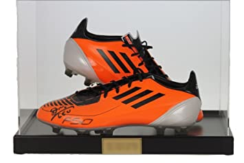 Display Case for a Pair of Football Boots with a Modern White Base fglVuaH8