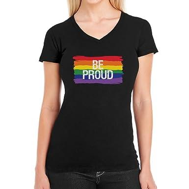 0e40f841ba1340 CSD LGBT Rainbow Flag Be Proud Regenbogen Flagge Damen T-Shirt V-Ausschnitt  XX-Large Schwarz  Amazon.de  Bekleidung