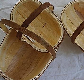 Encantadoras canastas de madera con asas rústicas, ideales para el jardín o para regalar (