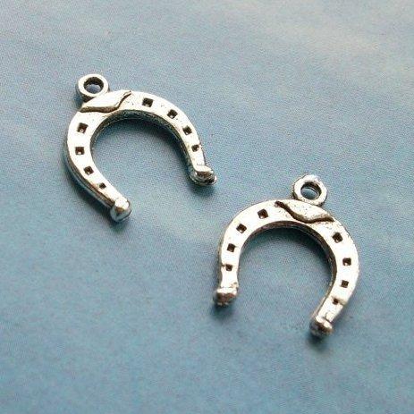- 15 pcs of Antique Silver Horseshoe Charm Pendant U Shape magnet Charms 16 mm x 13 mm (NS660)