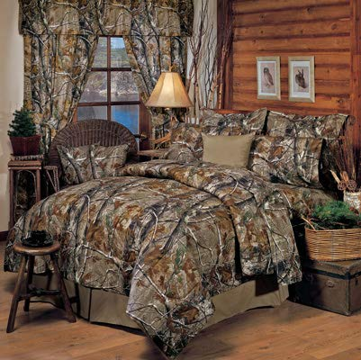 - Realtree All Purpose Camouflage 8 Pc Queen Comforter Set (Comforter, 1 Flat Sheet, 1 Fitted Sheet, 2 Pillow Cases, 2 Shams, 1 Bedskirt) SAVE BIG ON BUNDLING!