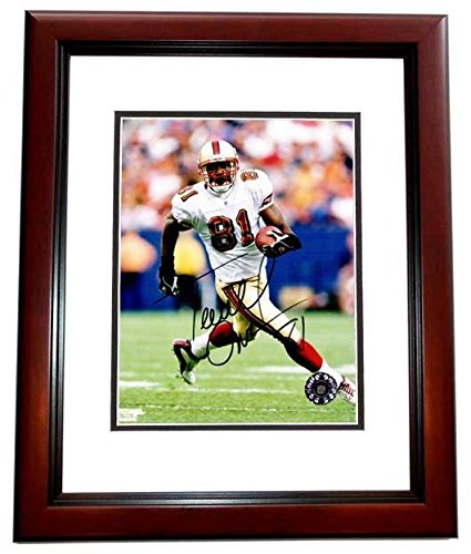 Terrell Owens 8x10 Photo (Autographed Terrell Owens Photo - 8x10 inch MAHOGANY CUSTOM FRAME Guaranteed to pass or JSA - PSA/DNA Certified)