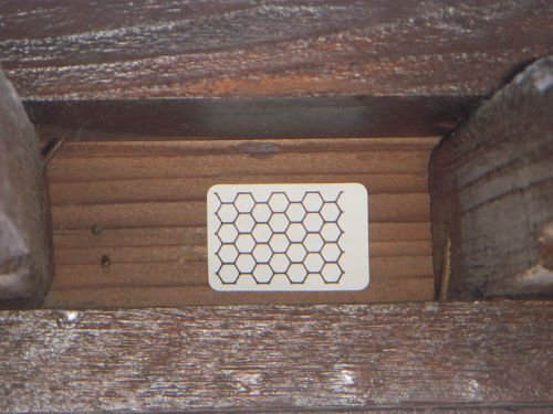 prevent-yellow-jacket-bee-hornet-wasp-nest-with-honeycomb-sticker-no-chemicals