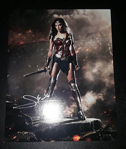 Gal Gadot - Autographed Signed 8x10 inch Photograph - Wonder Woman 02
