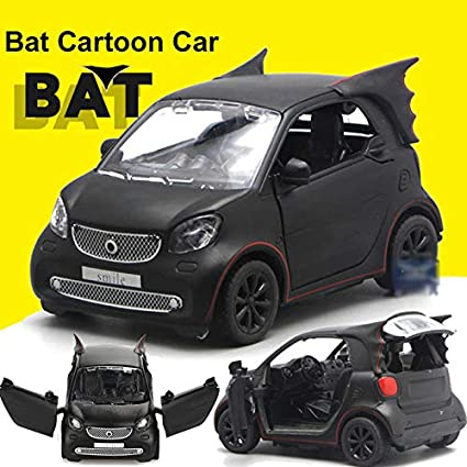 777eaba68 Amazon.com: 1:28 Batman Pattern Smart Fortwo Model Car Toy Vehicle ...