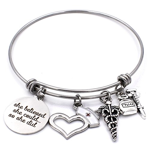 Stainless Steel She Believed She Could Nurse Charm Bracelet Expandable Wire Bangle Graduation Jewelry Gift for Her Cap Bracelet Charm