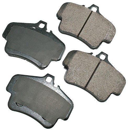 Akebono EUR776 EURO Ultra-Premium Ceramic Brake Pad ()