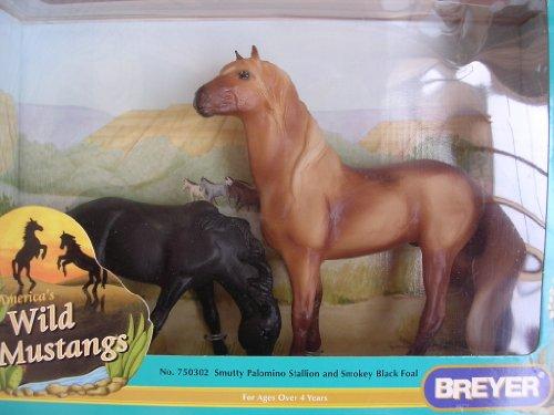 Breyer Wild Mustangs No. 750302 Smutty Palomino Stallion and Smokey Black Foal Toy Horses