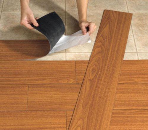 Piso autoadhesivo en laminas tipo madera de facil y rapida ...