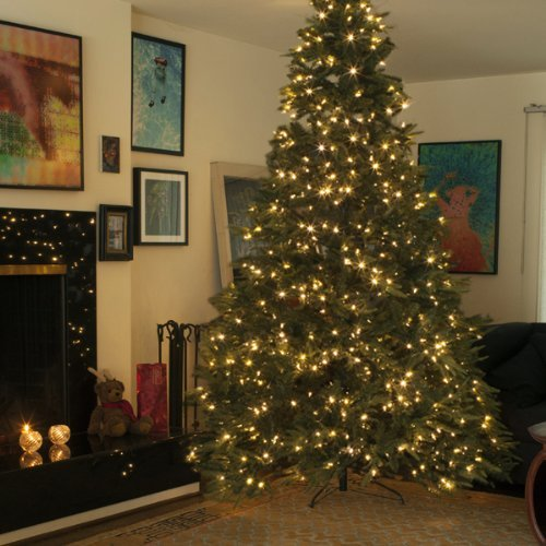 9 foot Prelit Christmas Tree • Comfy Christmas