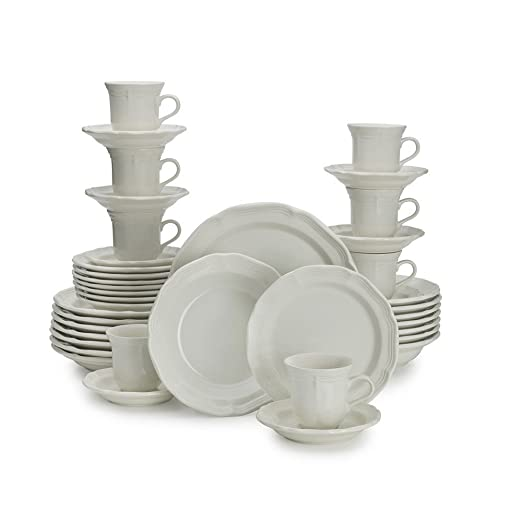 Christmas Tablescape Decor - A fabulous antique white french country dinnerware set can be used for everyday or to entertain guest