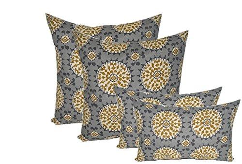 Set of 4 Indoor / Outdoor Pillows - 17
