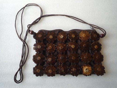 Kleine Damen Umhängetasche mit geschnitzten Kokos Holzscheiben in Blütenform