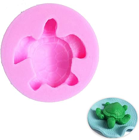 Molds three turtles of different sizes