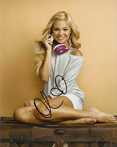 Olivia Holt signed 8x10 photo - Holts Olivia
