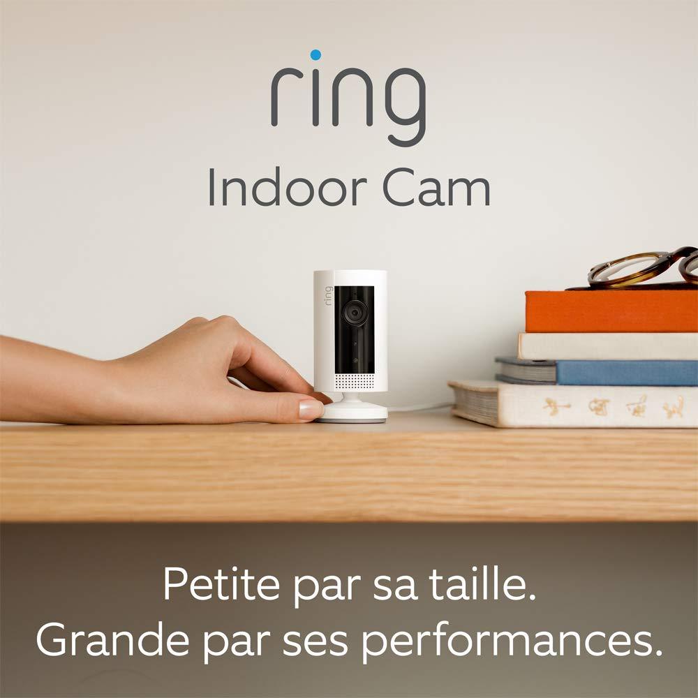 Ring Indoor Cam, Caméra de surveillance HD compacte avec prise, Système audio...