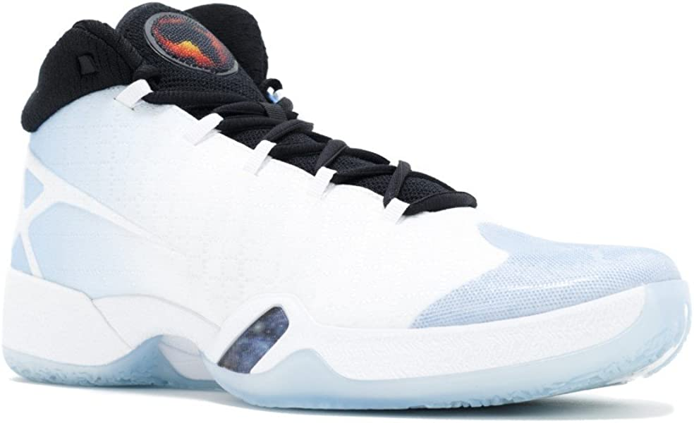 cheap for discount 219d6 04618 Amazon.com   Men s Air Jordan XXX Basketball Shoes White 811006-107 (10.5)    Basketball