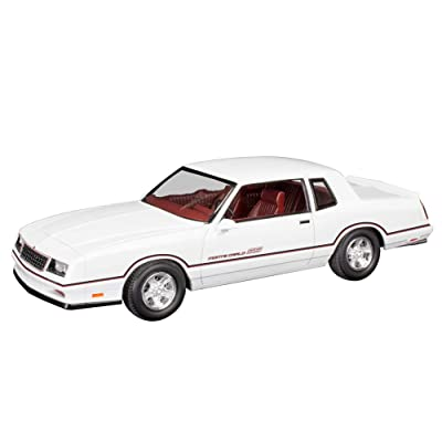 Revell 1986 Chevrolet Monte Carlo 1: 24 Plastic Model Kit: Toys & Games