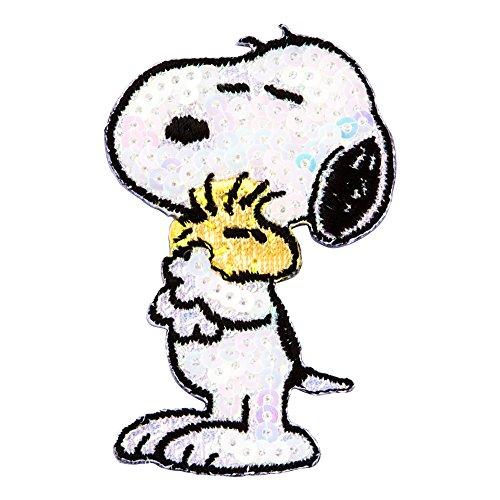 Minoda Snoopy sequin embroidery Dekoshiru glittering Snoopy Snoopy hug S02R8761