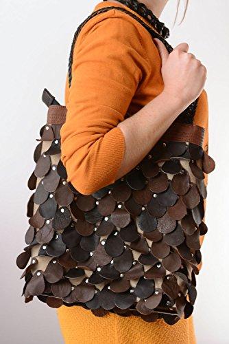 Bolso de cuero al hombro