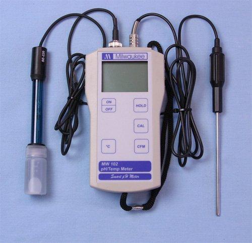 Milwaukee MW102 Digital pH / Temperature meter w/ ATC by Milwaukee
