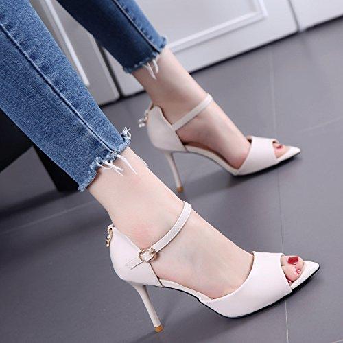 Una manera simple Todo-Fósforo en punta zapatos de tacón alto de la hebilla de la boca Hairtail sandalias con Thin Mujer Beige