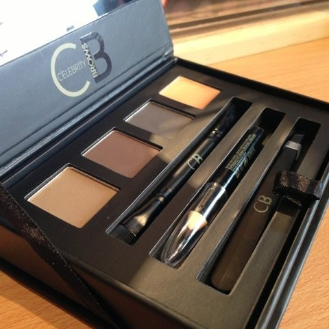 THE Celebrity Range NEW Eyebrow Compact Kit - 3 Shades of Long Lasting Colour (Blonde, Brown, Charcoal) by THE CELEBRITY RANGE